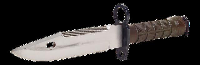 female self-defense_Tactical knife